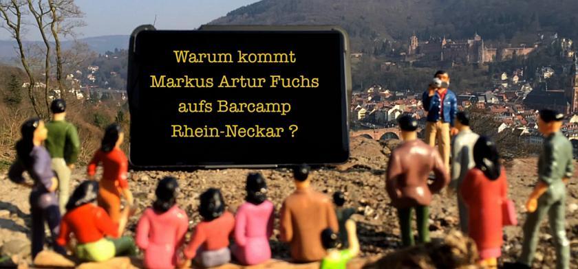 Bildschirmfoto der Videoaufnahme. Miniaturfiguren schauen auf eine große Leinwand. Im Hintergrund ist das Heidelberger Schloss und die Altstadt zu sehen.