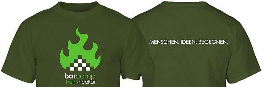 Vorschau der Vorder- und Rückseite des olivfarbenen Barcamp T-Shirts.