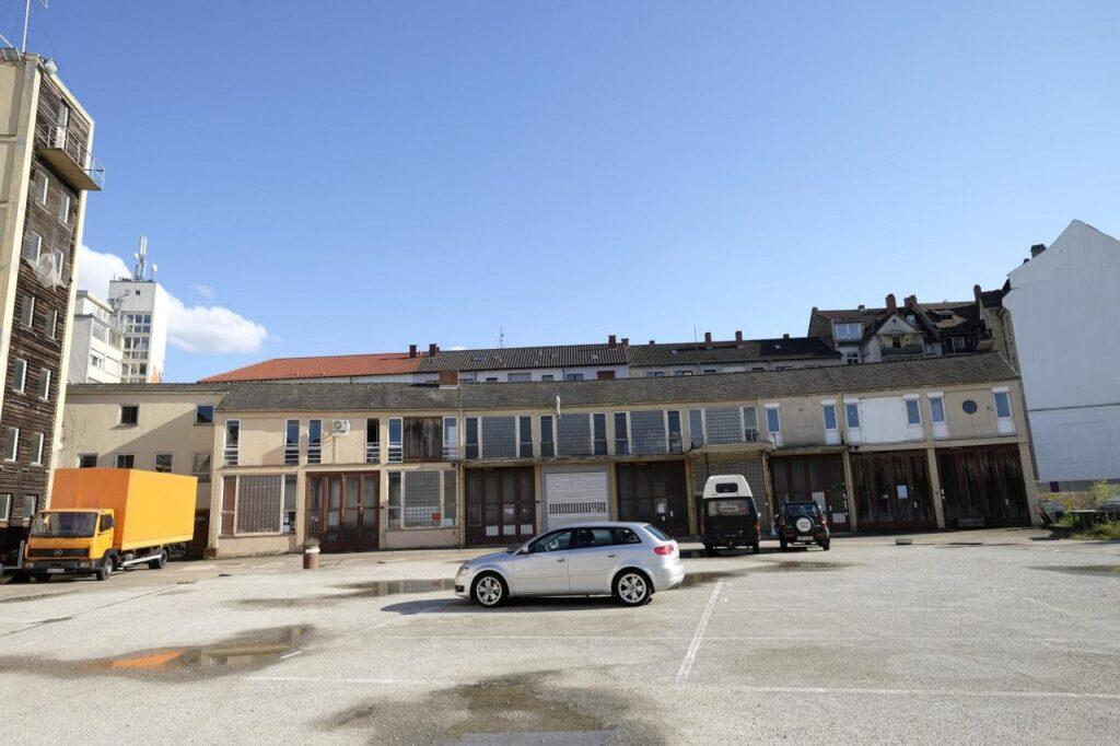 Rückseite und Hof des Dezernat 16 - Werkstätten und Atelliers